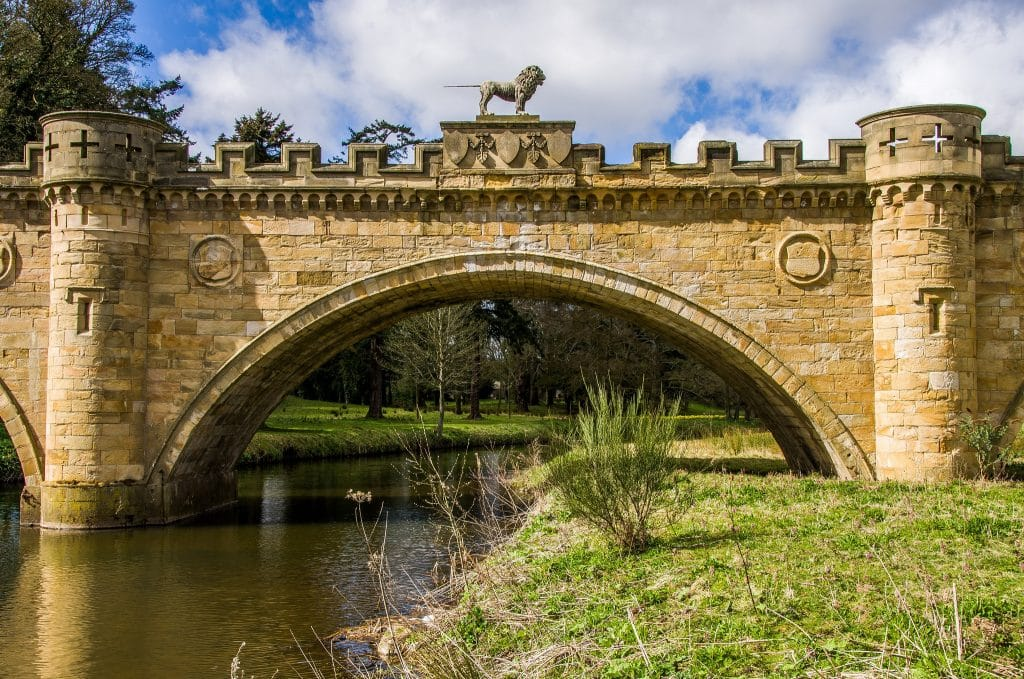 Puente del león dorado en Alnwick (iancook57)
