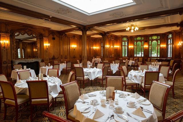 Salón comedor del White Swan, muy parecido al Titanic (Classic Lodges)