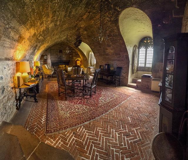 Sala de descanso en el castillo (Marc Shaffer)
