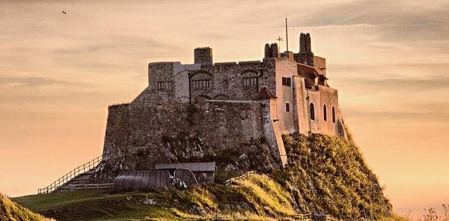 Exteriores castillo Lindisfarne (mike193823319483)