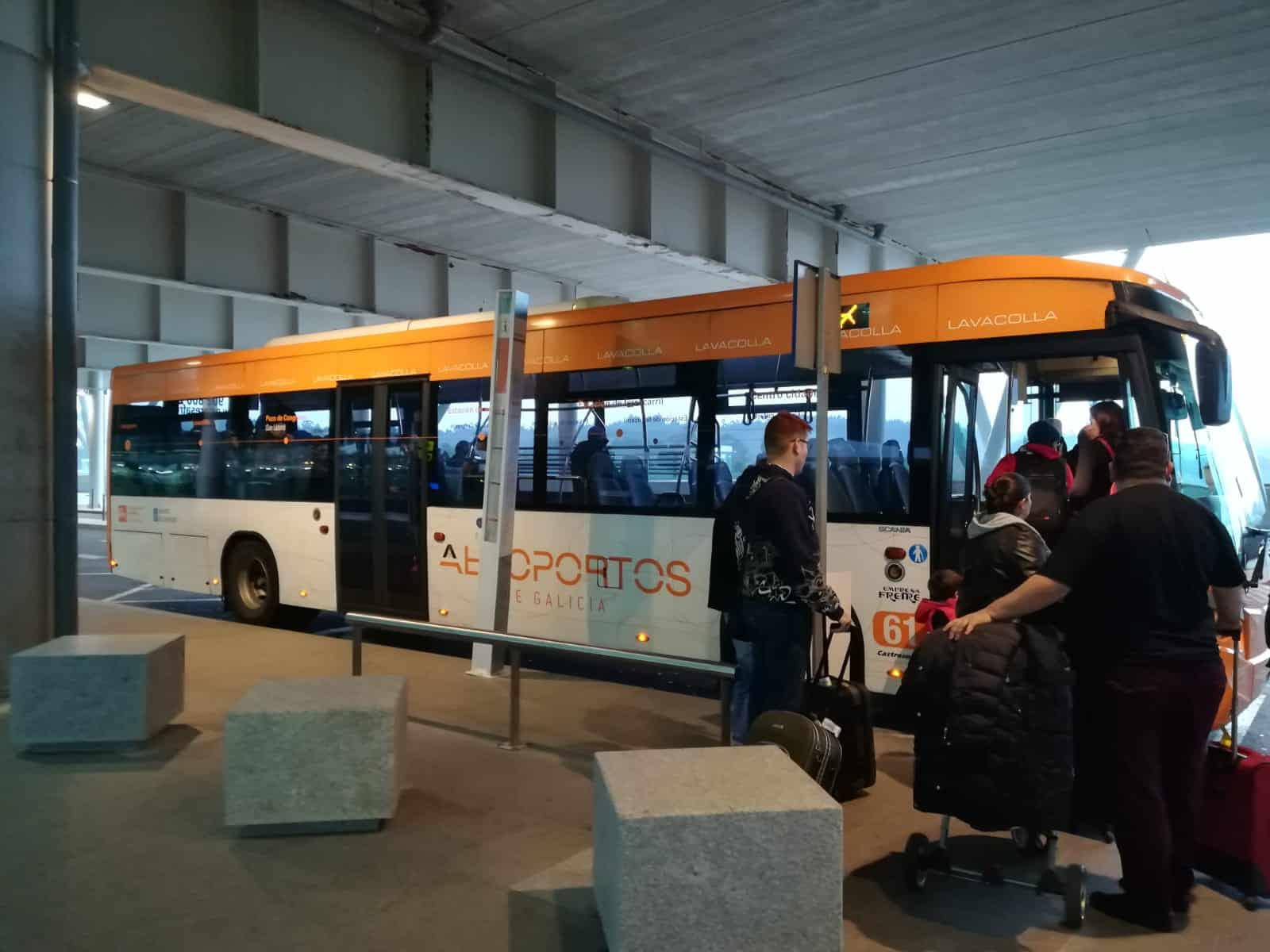 Cómo ir del aeropuerto de Santiago de Compostela al centro