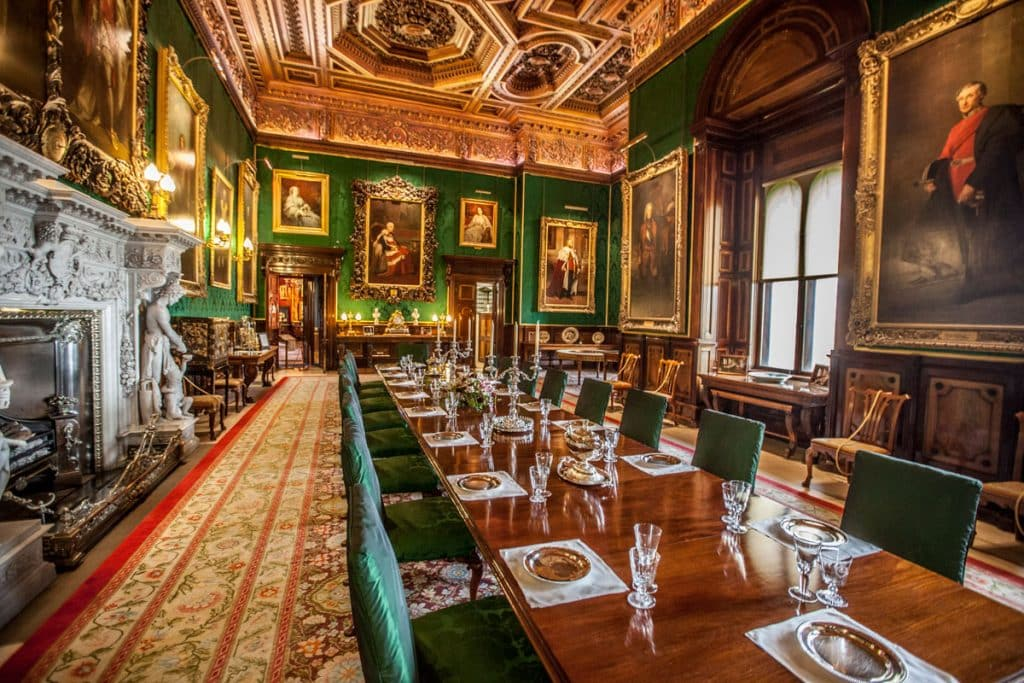 Sala del comedor en el interior del castillo (Coach Tours UK)