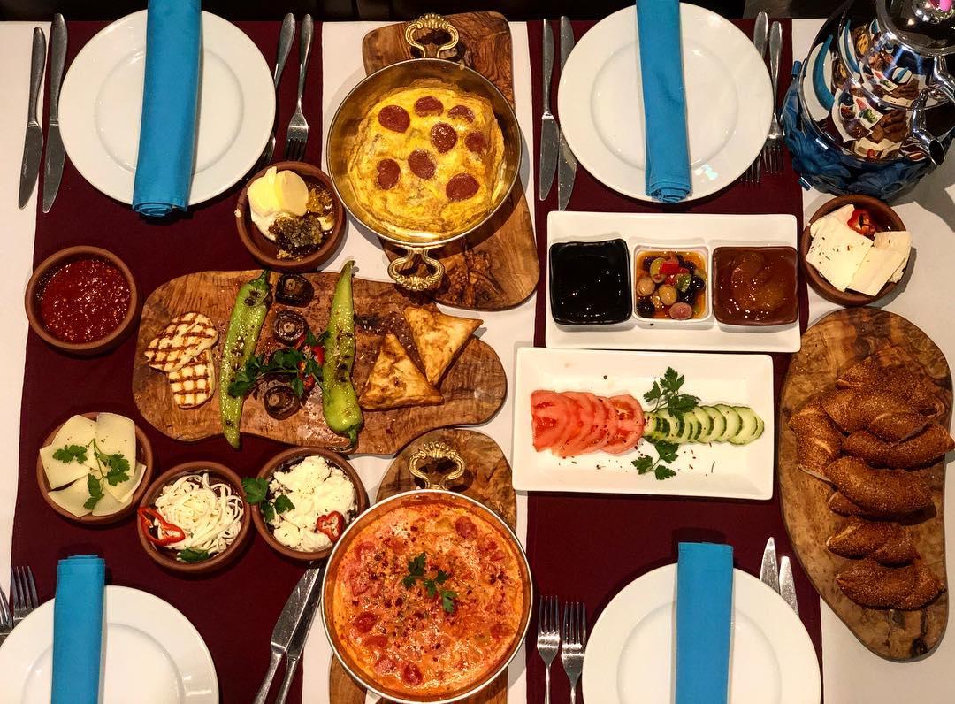 Variedad de platos turcos (Lezzet)