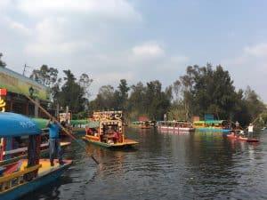 Xochimilco. Sitio de interés para propios y extraños