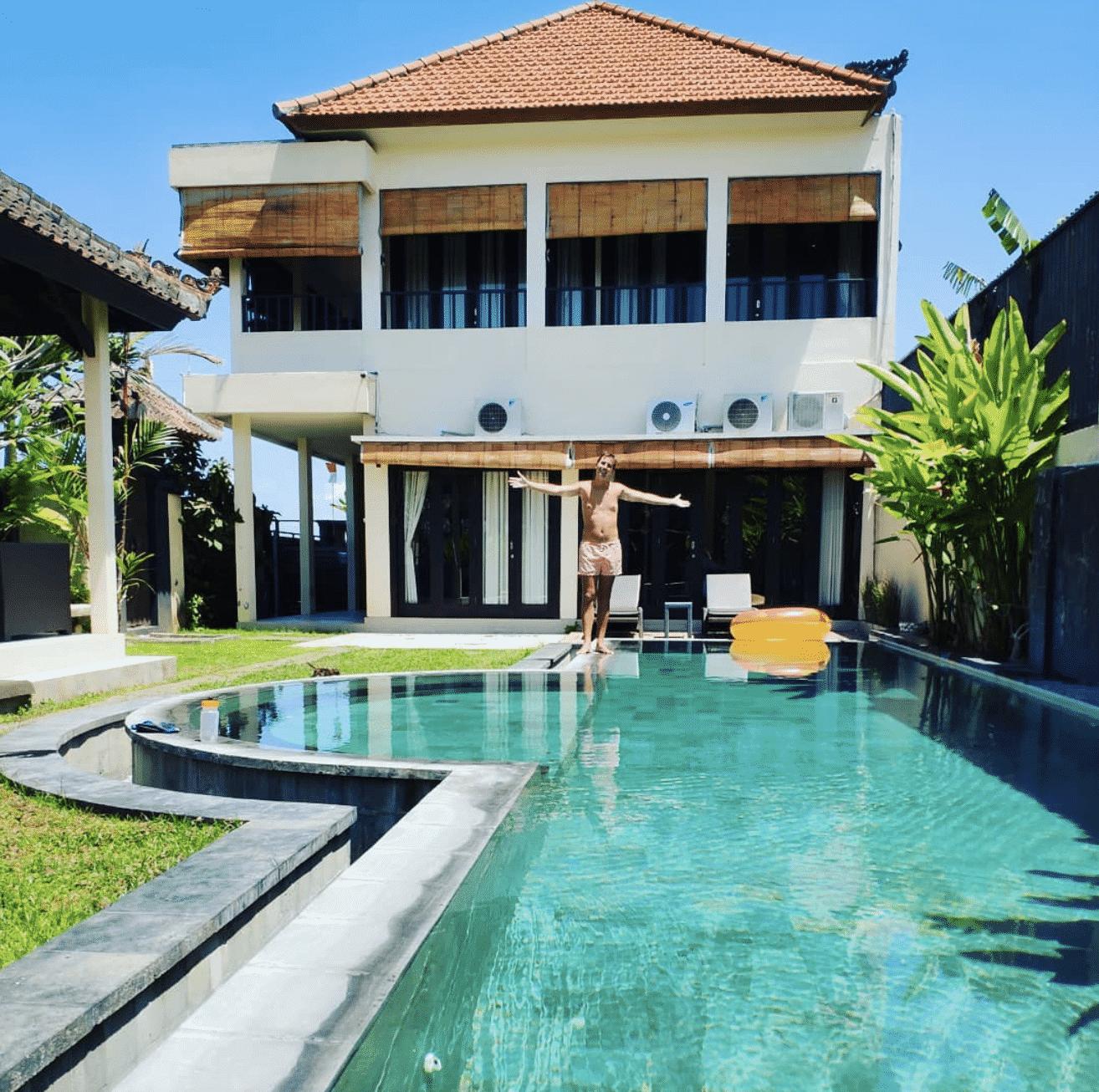 Casa que alquilamos con ¡12 metros de piscina!