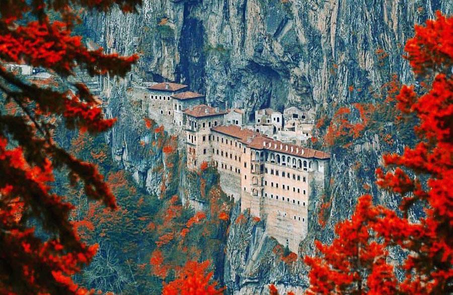 monasterio-de-sumela-viajar-a-turquia