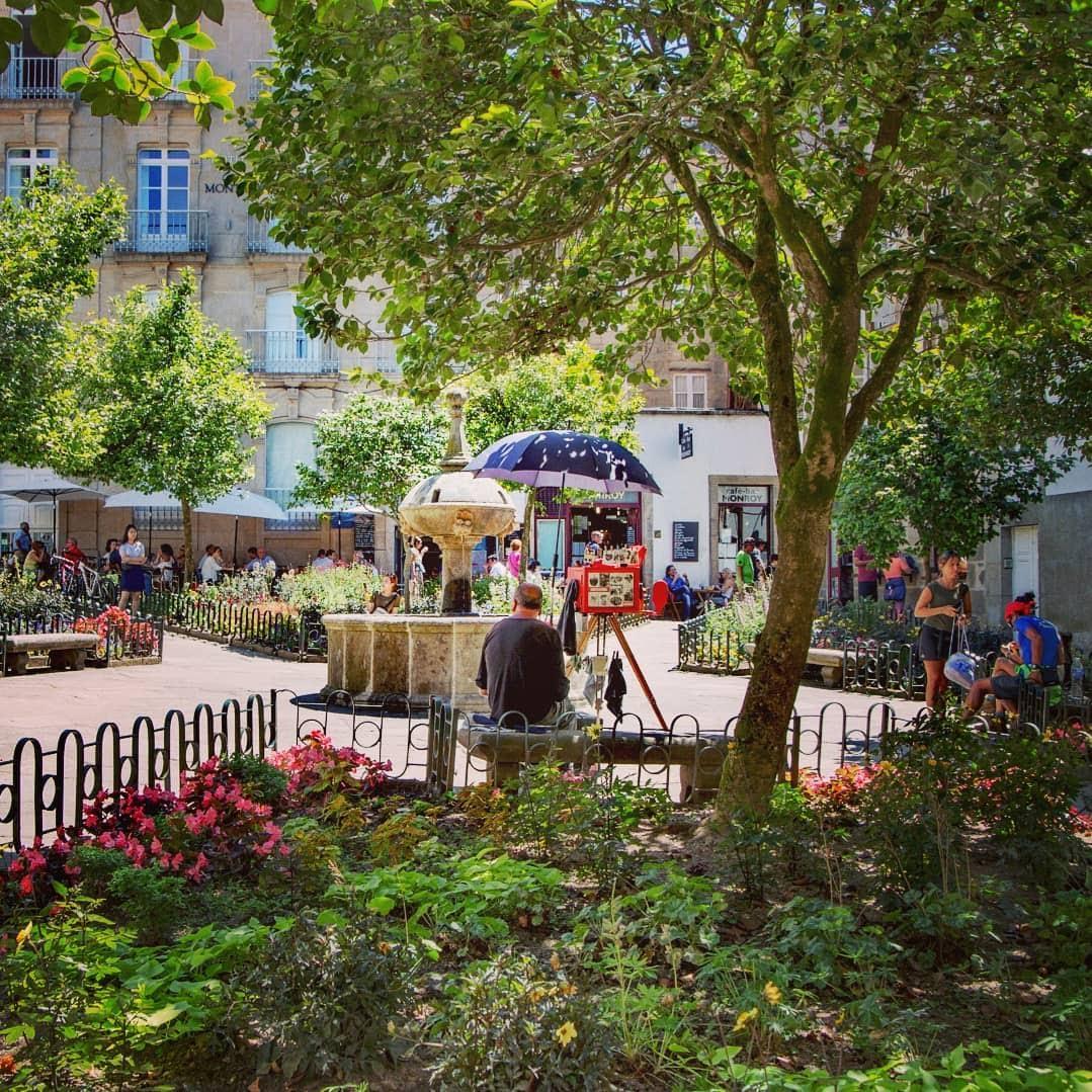 Plaza de Fonseca en primavera