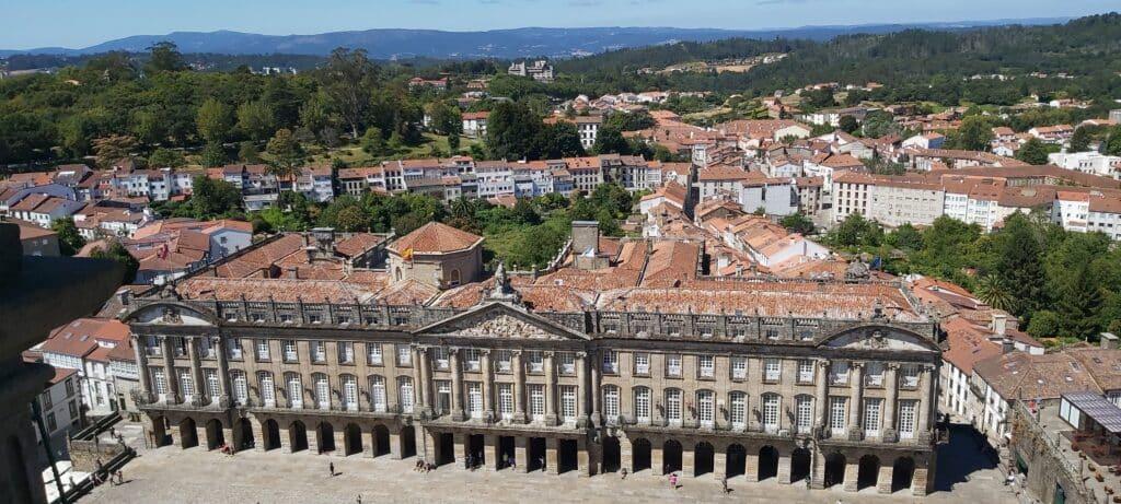 Pazo de Raxoi en la Plaza del Obradoiro vistos desde la Torre de la Carraca