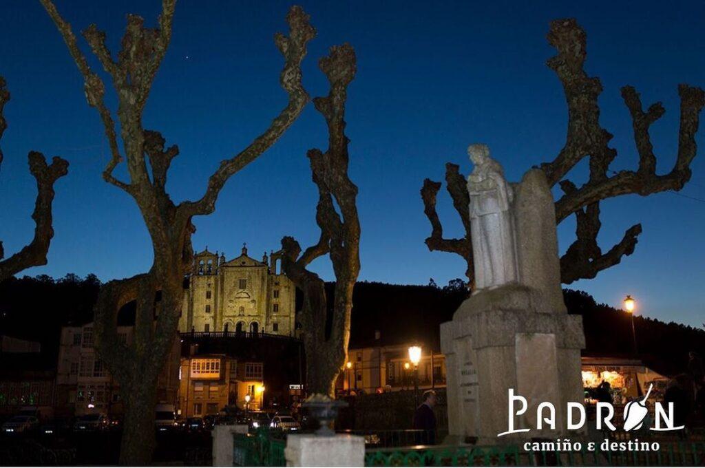 Imagen nocturna de Padrón
